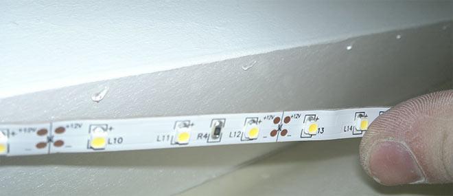 Чем приклеить светодиодную ленту