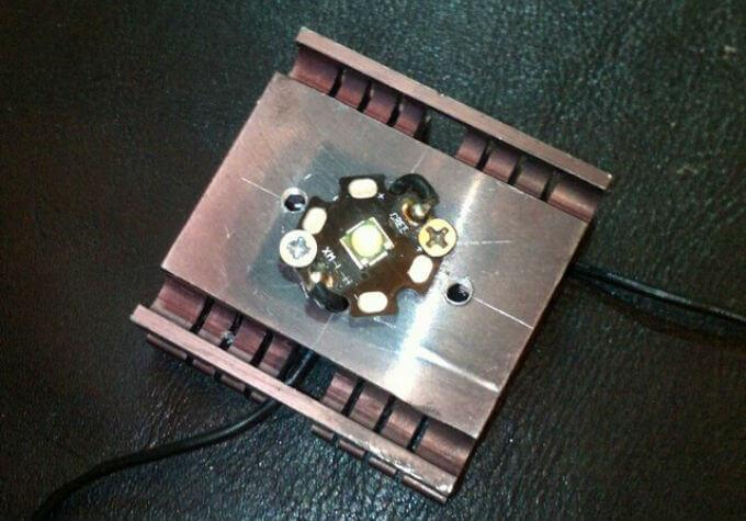 вид светодиода на радиаторе