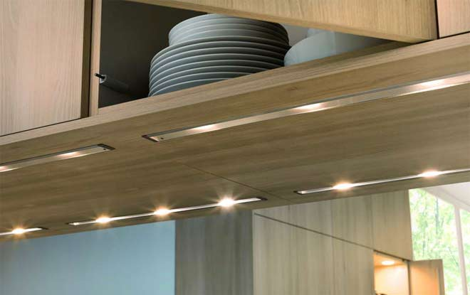 LED-линейки под шкафами